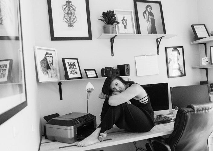 Katie Levine in her Brooklyn studio. © Adrianna Baez